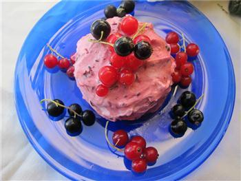 röda vinbär dessert
